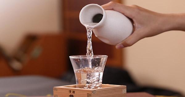 Ruou-sake-la-gi