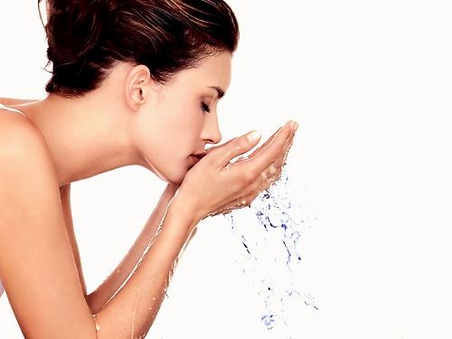 Cách giữ da mặt sạch mỗi ngày ngăn ngừa mụn xuất hiện-1