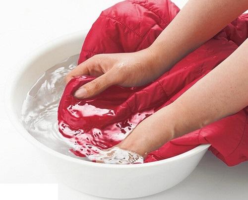 Cách giặt áo lông vũ Uniqlo theo đúng tiêu chuẩn-1